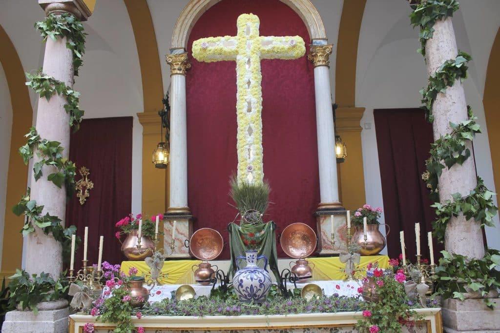 cruz mayo antequera
