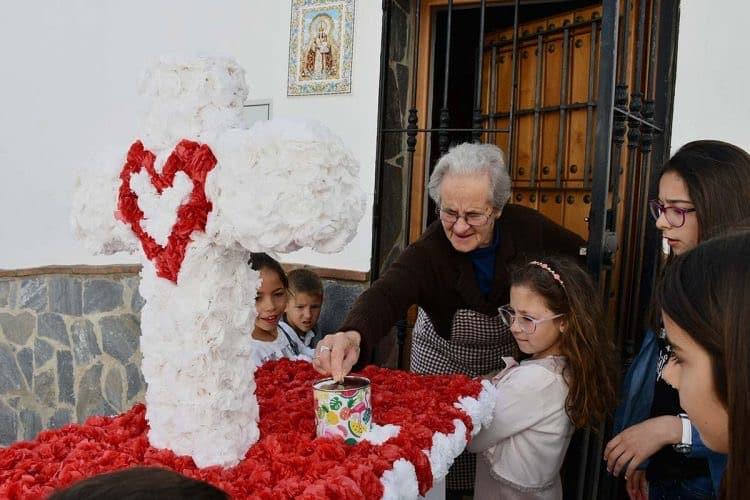 procesion infantil cruz mayo parauta
