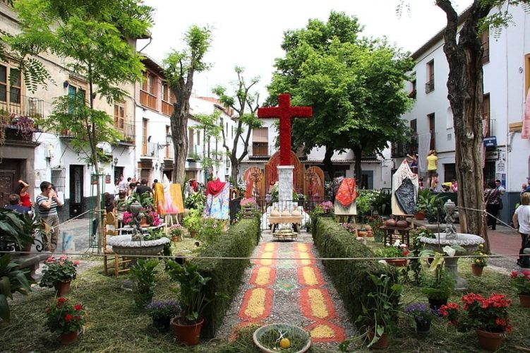 cruz_plaza_larga_granada
